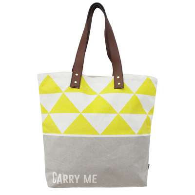 "Arm Candy ""Carry me"" Shopperi"