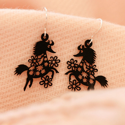 Coruu Primadonna's horse earrings, black