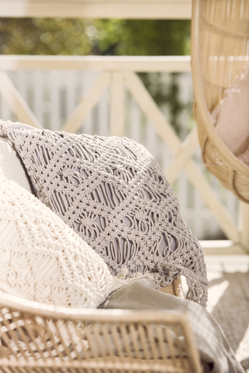 Macrame pillow 45 x 45cm, grey