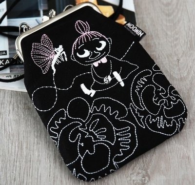 """Moomin """"Vinssi"""" purse bag Little My with a chain, black"""