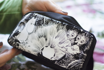 Moomin makeup bag, black/white
