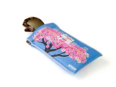 Moomin soft Sunglasses / glasses case, Moomin on the tree