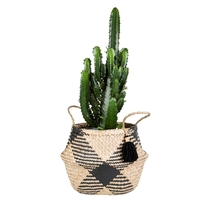 Checkered decor basket with tassels, black