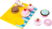 Children's wooden cupcakes / cake set