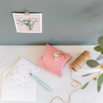 """Embossed 2-part greeting card with an envelope """"You're the world's best mother"""""""
