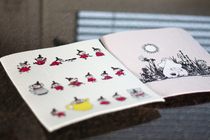 Moomin dishcloth, Little Mys lined up